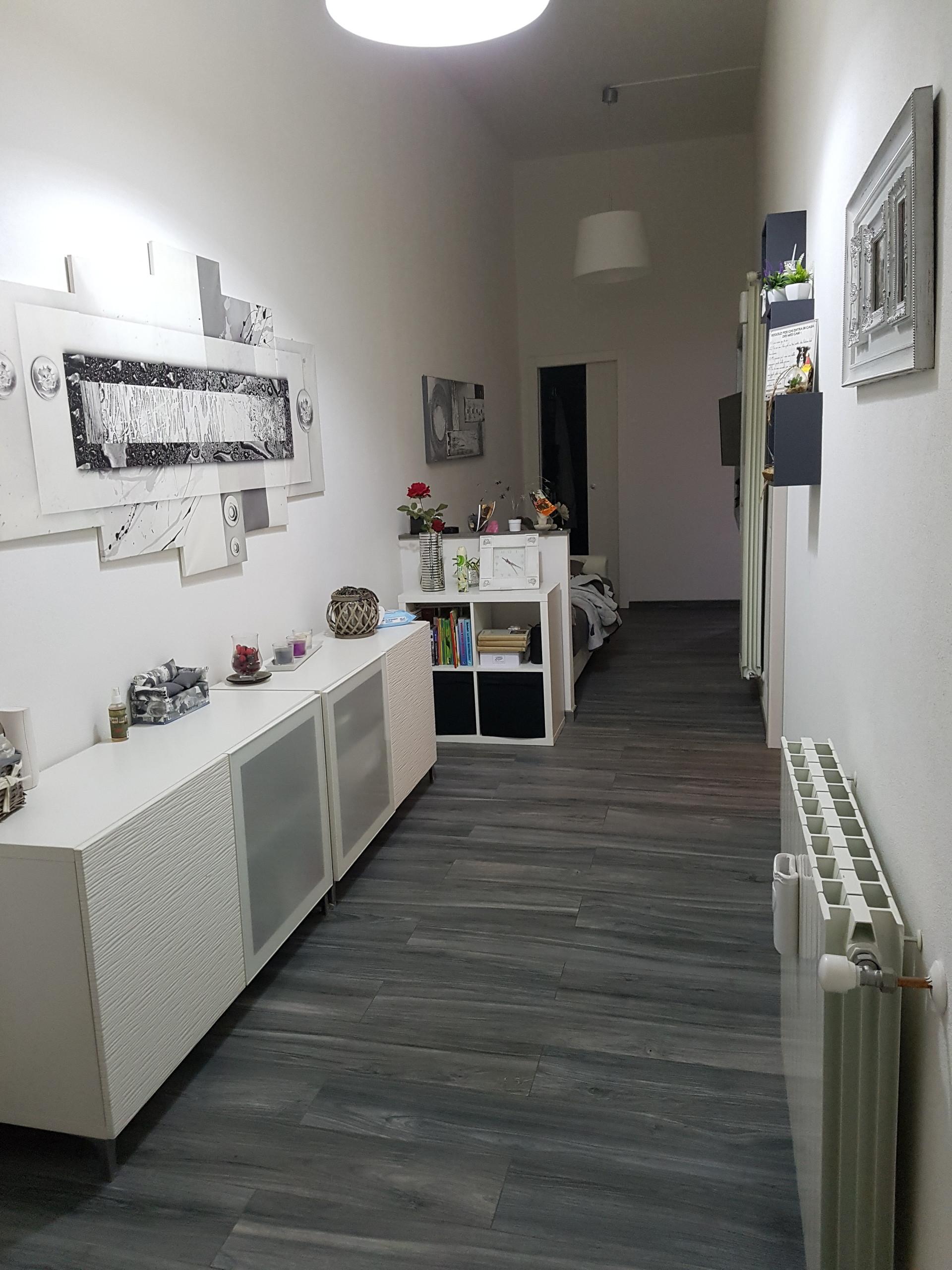 Camera singola o doppia di 20 mt/quadri con uso bagno, cucina e ...