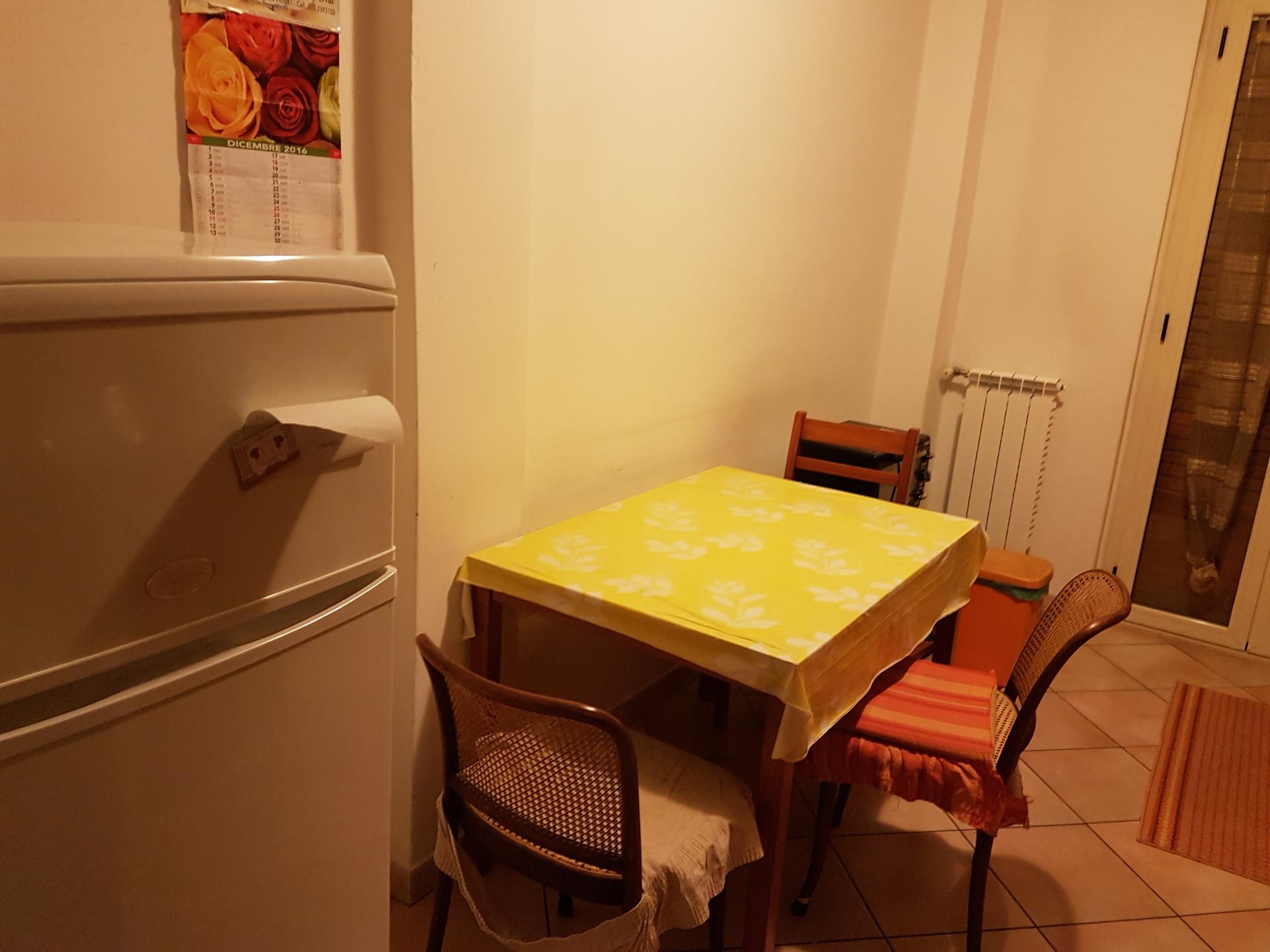 camera-singola-in-appartamento-3-camere-