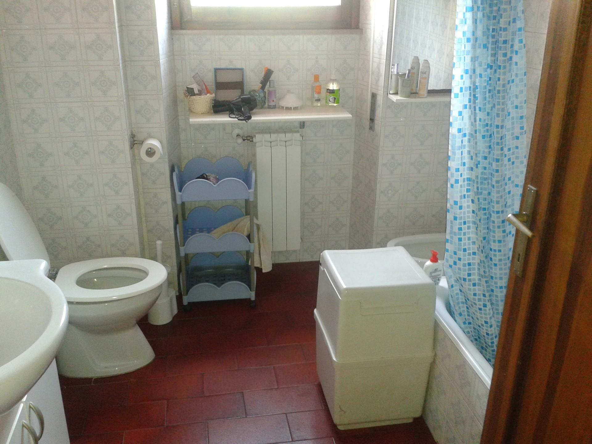 camera-singola-in-appartamento-signorile