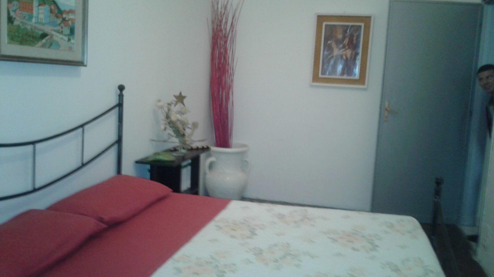 Camera singola con letto matrimoniale, zona mirafiori sud | Stanza ...