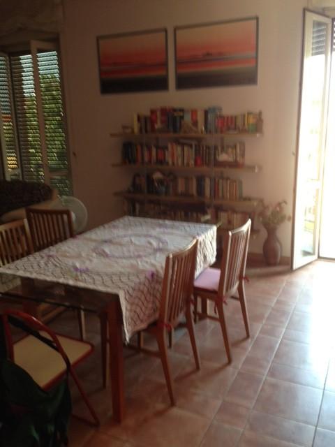Camera singola con uso cucina in appartamenti ristrutturato