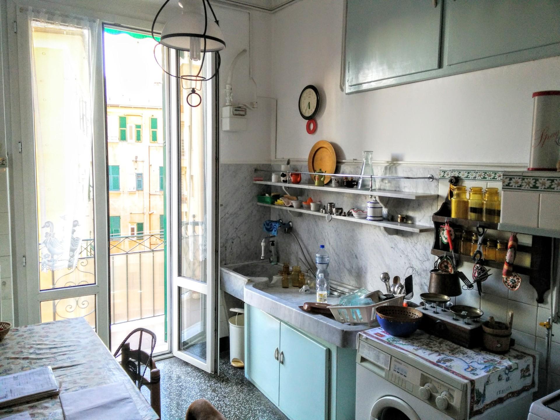 Camera uso singolo in ampio appartamento di pregio