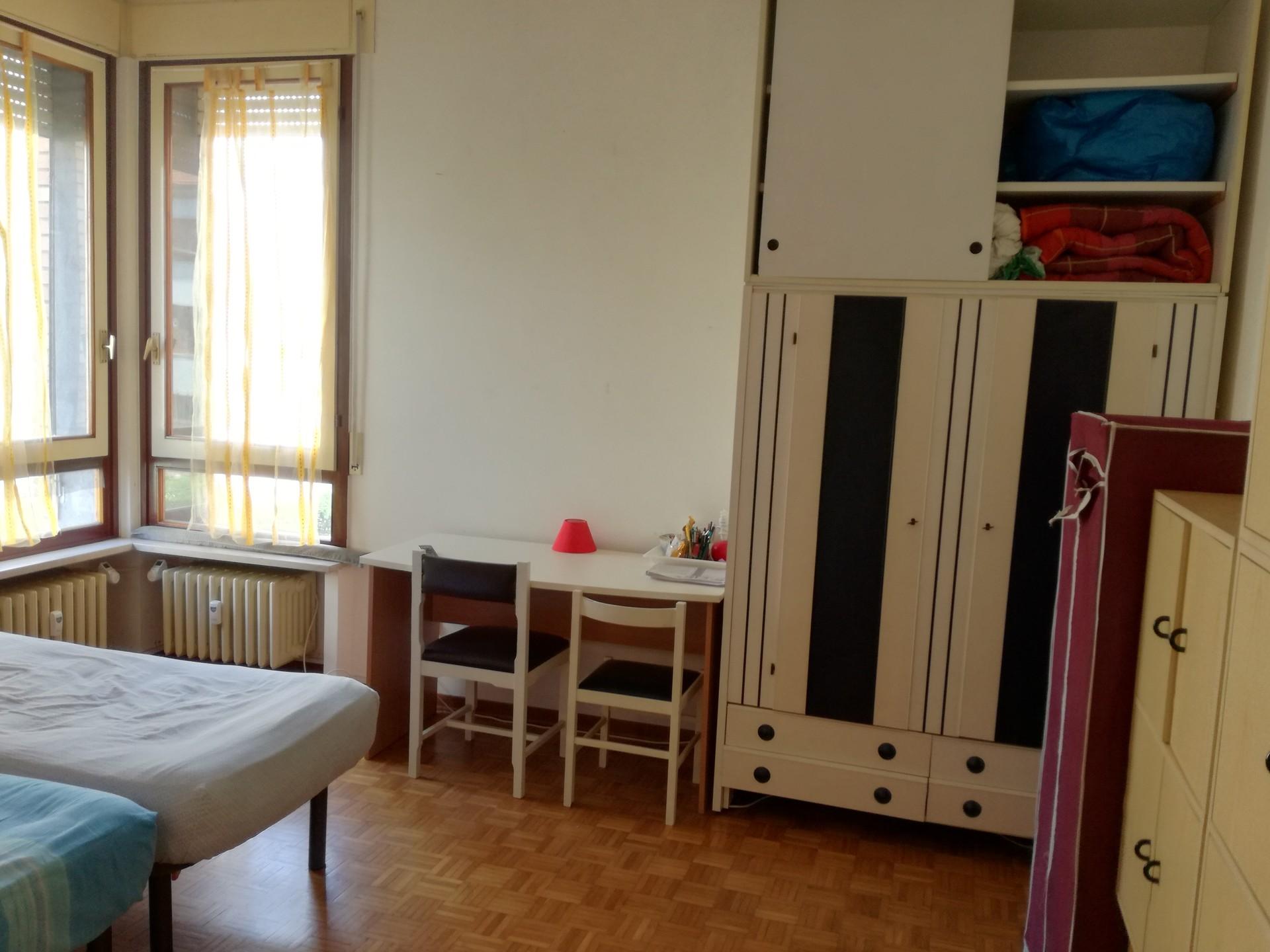 camere-grandi-letto-uso-singola-5e7bd13982e6f63453a68a866ad7f3fc