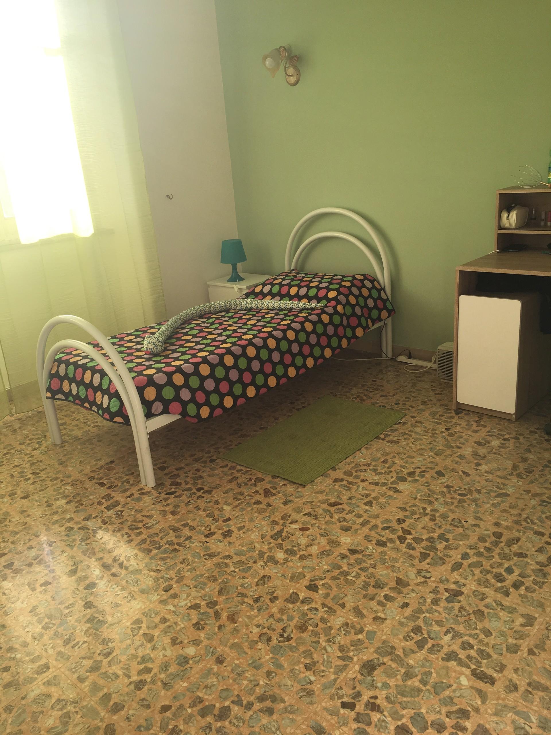 camere-piazza-borgo-cavour-20ff8c109df2a77442aa5ccad420a7ec