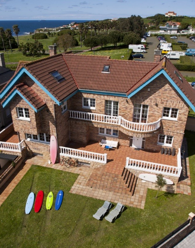 casa-amplia-gijonsurfhostel-100m-playa-y