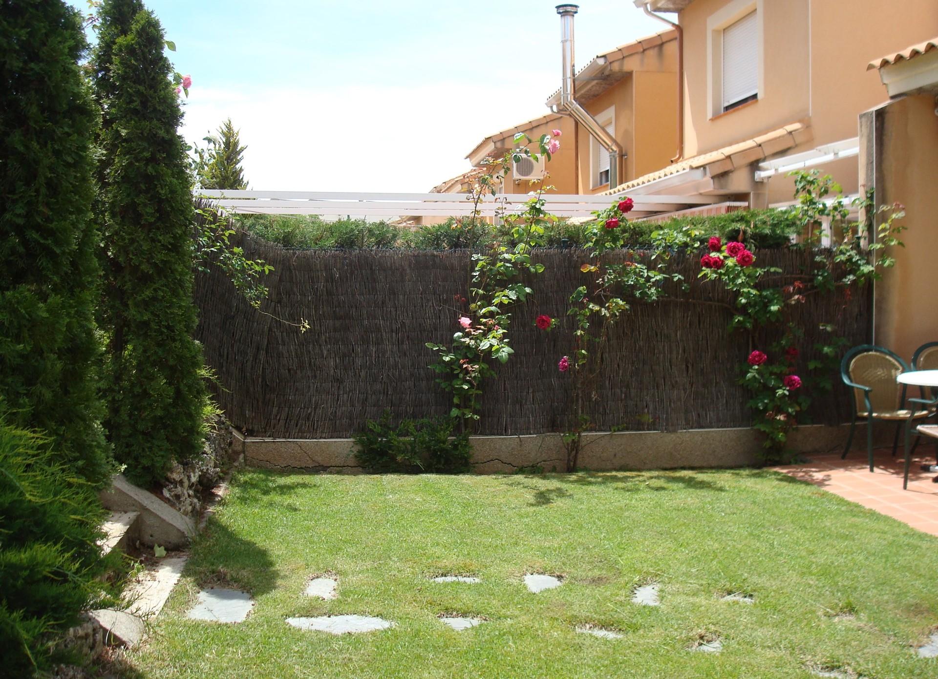 casa-con-jardin-cerca-de-la-universidad-60979889a6f1a89be34414f8d8cda04e