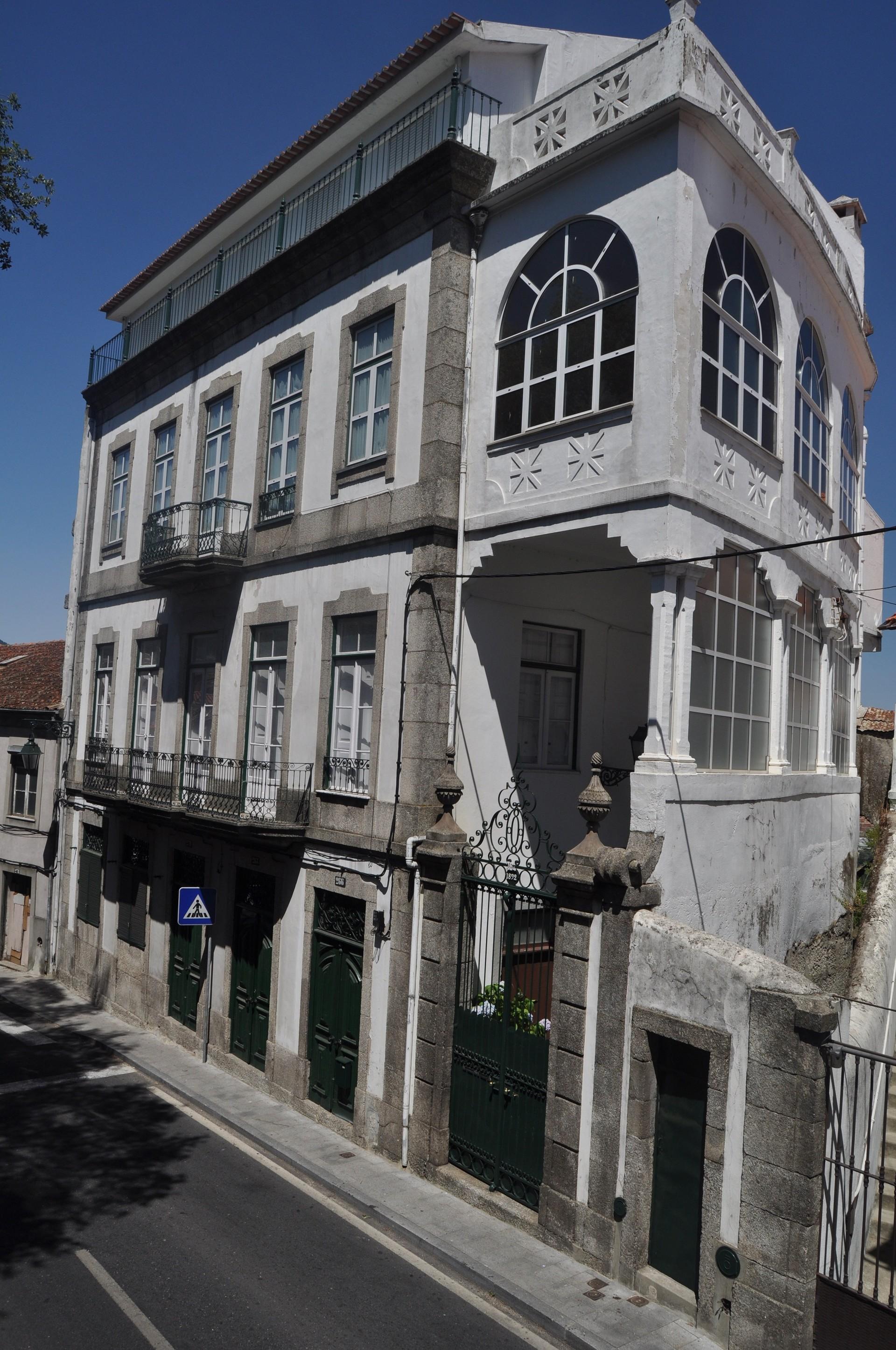 Casa no Centro da Cidade Junto à Universidade