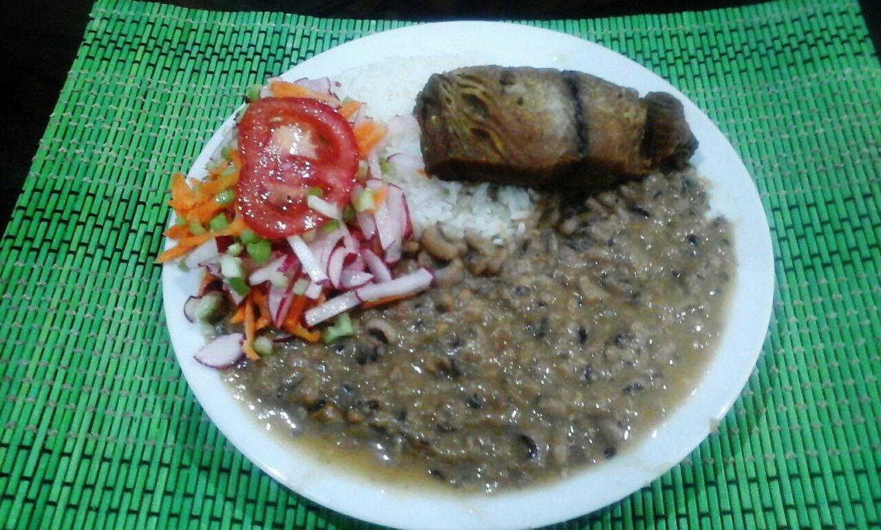 Castilla beans with rice and fried fish erasmus recipes for Fish and rice diet