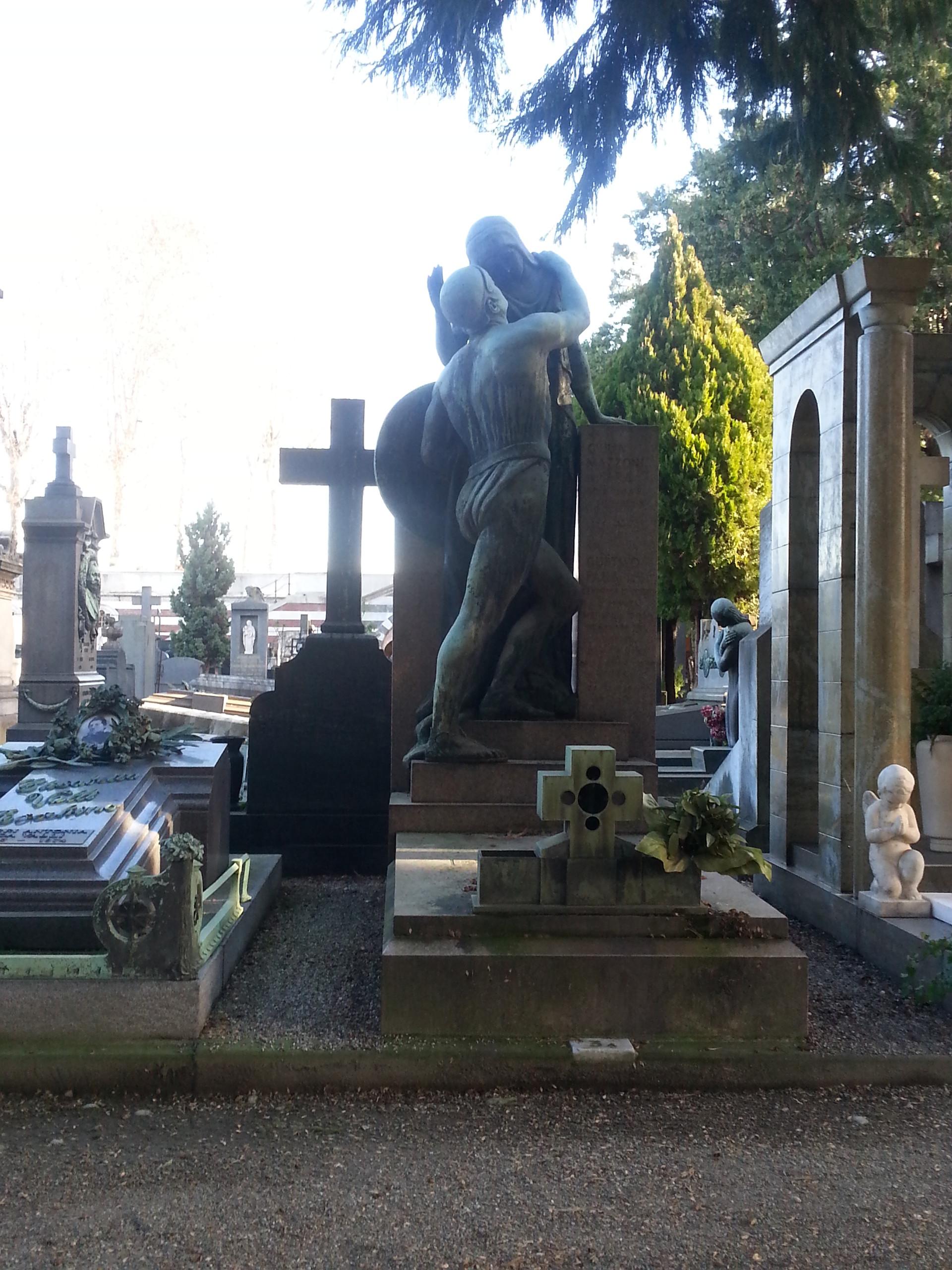 cementerio-monumental-cb419464f4e2aa0b73