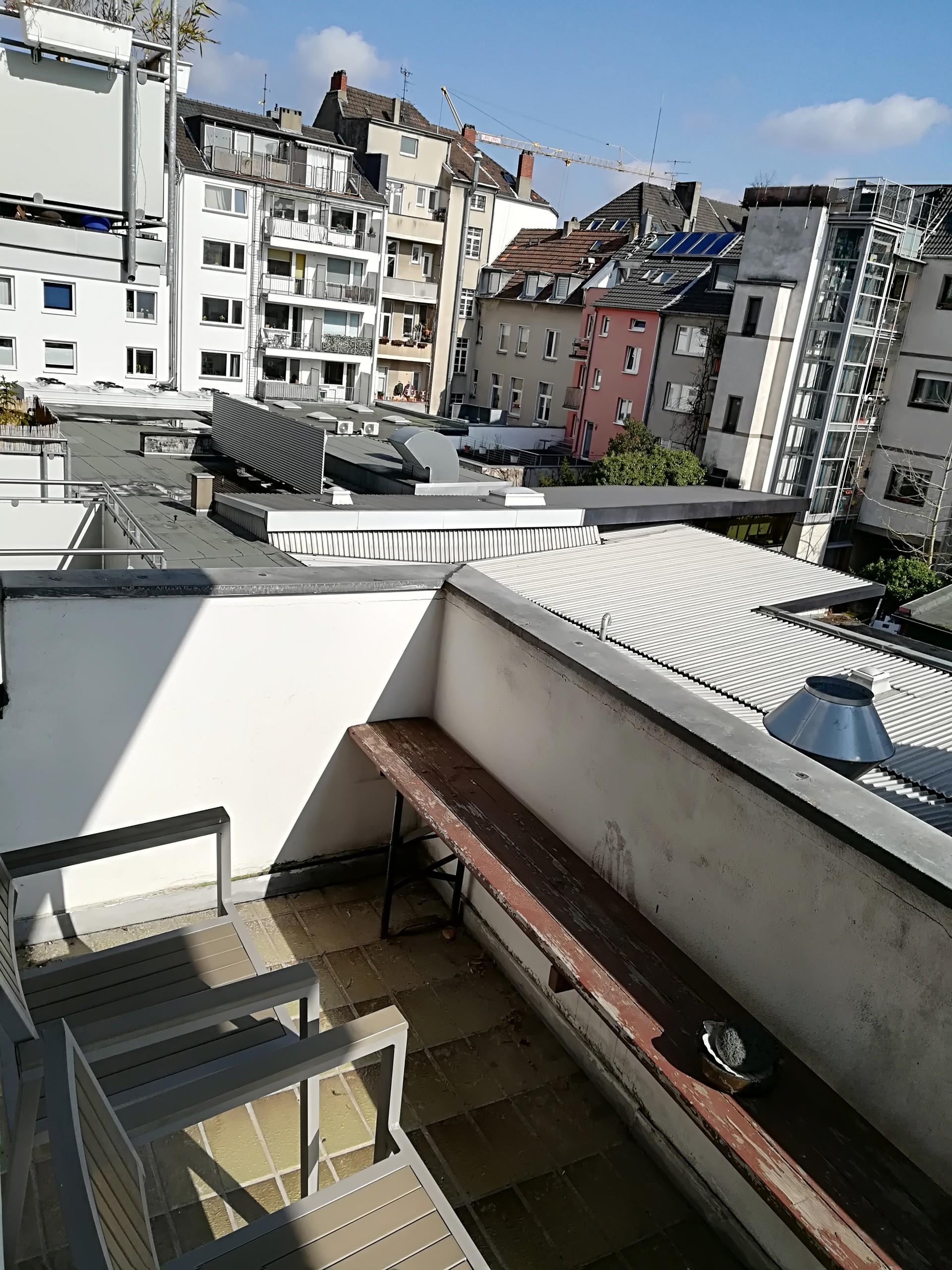 central-quiet-apartment-43qm-balcony-2df