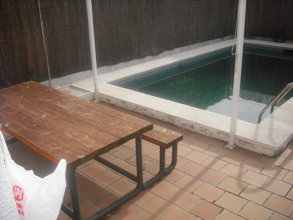 Chalet amplio soleado con piscina en villanueva de la ca ada alquiler habitaciones villanueva - Piscina villanueva de la canada ...