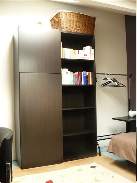 chambre louer dans maison de famille 92 room for rent paris. Black Bedroom Furniture Sets. Home Design Ideas