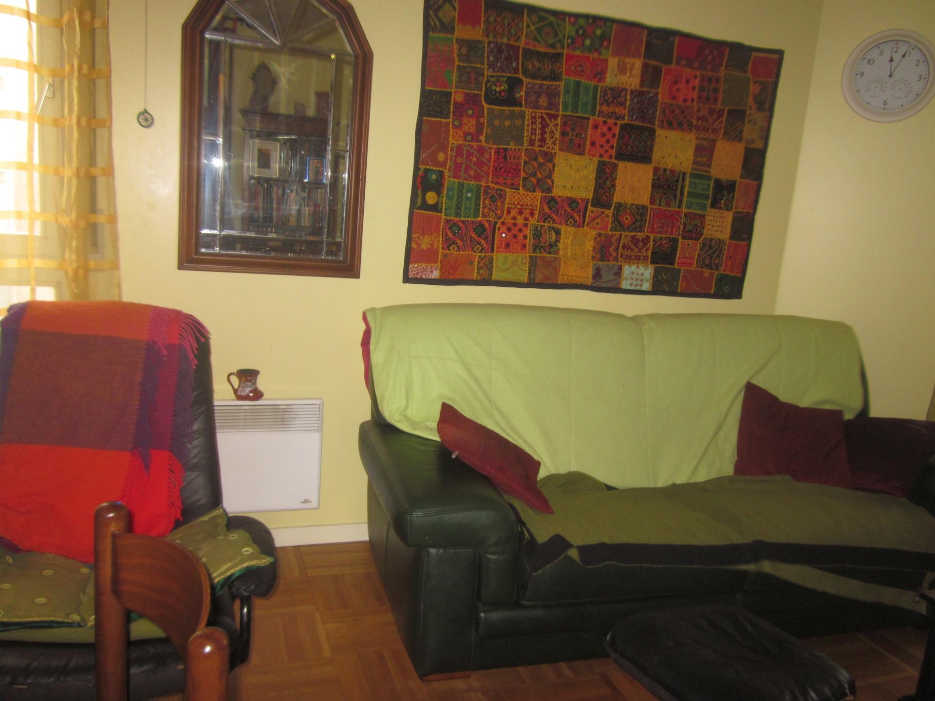 Chambre avec grand lit dans T3 proche Metro bus tram et