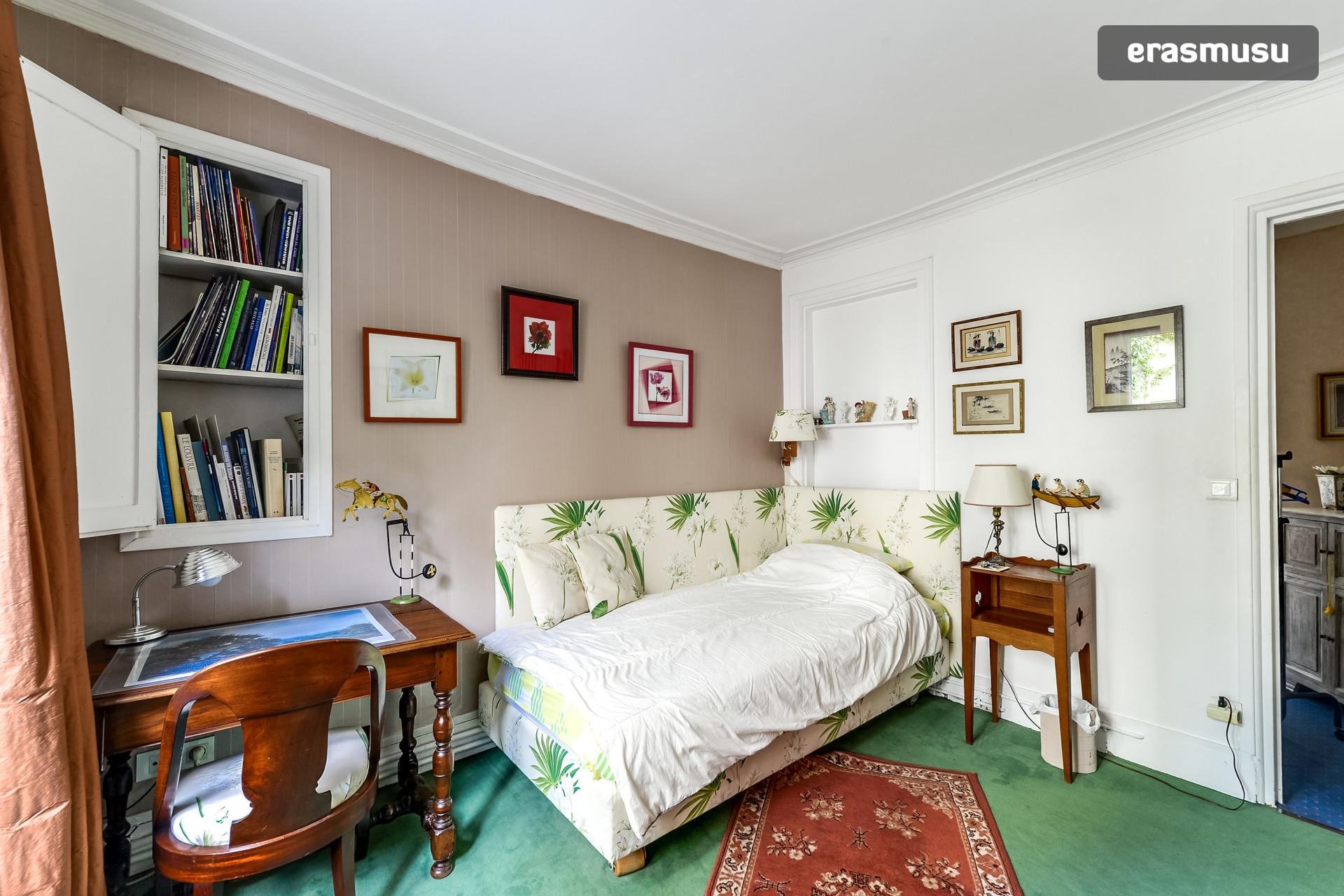 Chambre Individuelle avec Salle de bain et toilette Privées : Single ...