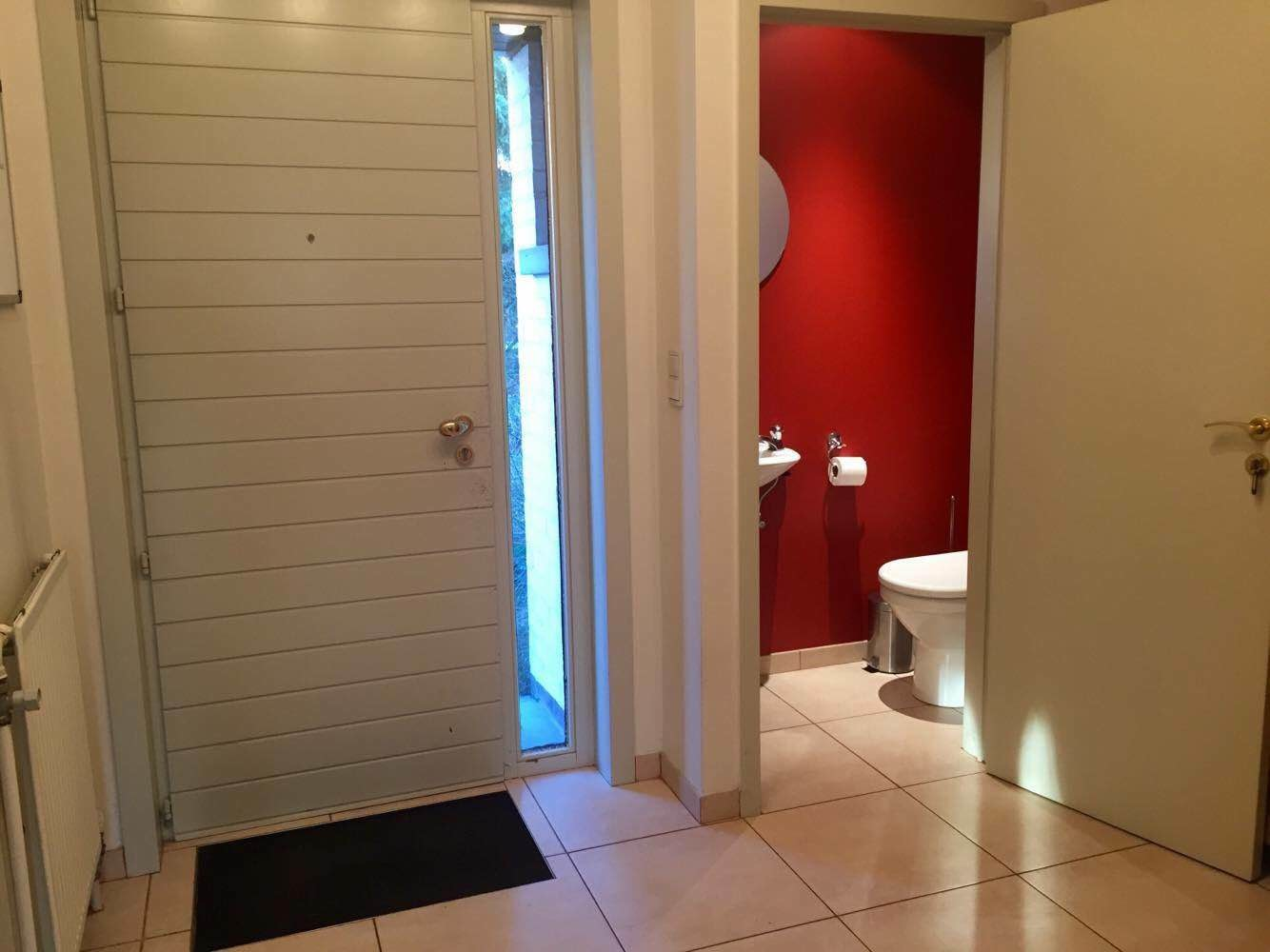 Uccle linkebeek chambre dans lumineuse maison entre for Chambre commune