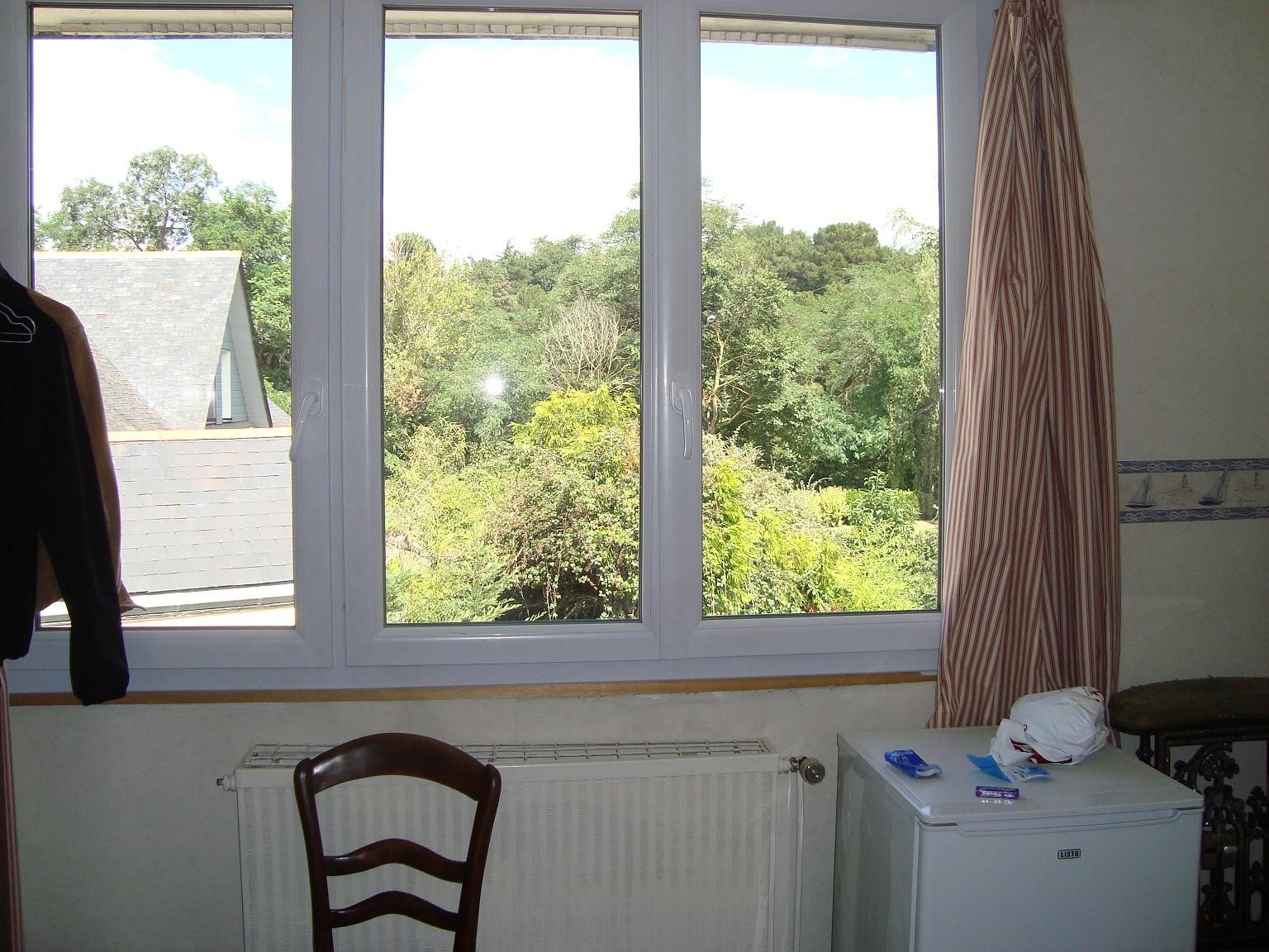 chambre dans maison avec jardin près des parcs