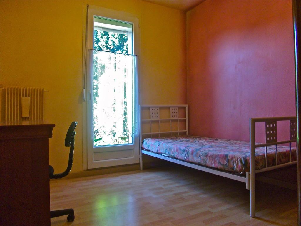 Chambre meubl e pour tudiant e ou stagiaire location for Location de chambre pour etudiant