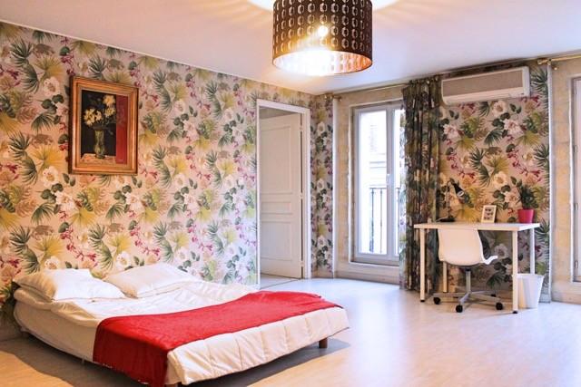 Chambre meublée dans un appartement haut standing au cœur de Marseille et prêt à vivre.