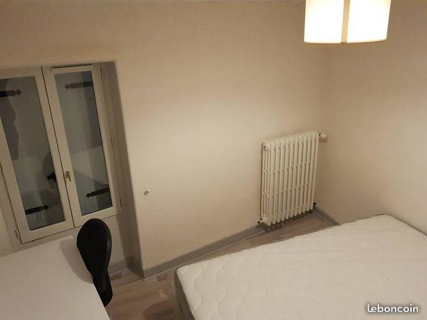 chambre refait à neuf meublé avec une salle d\'eau et son toilette ...