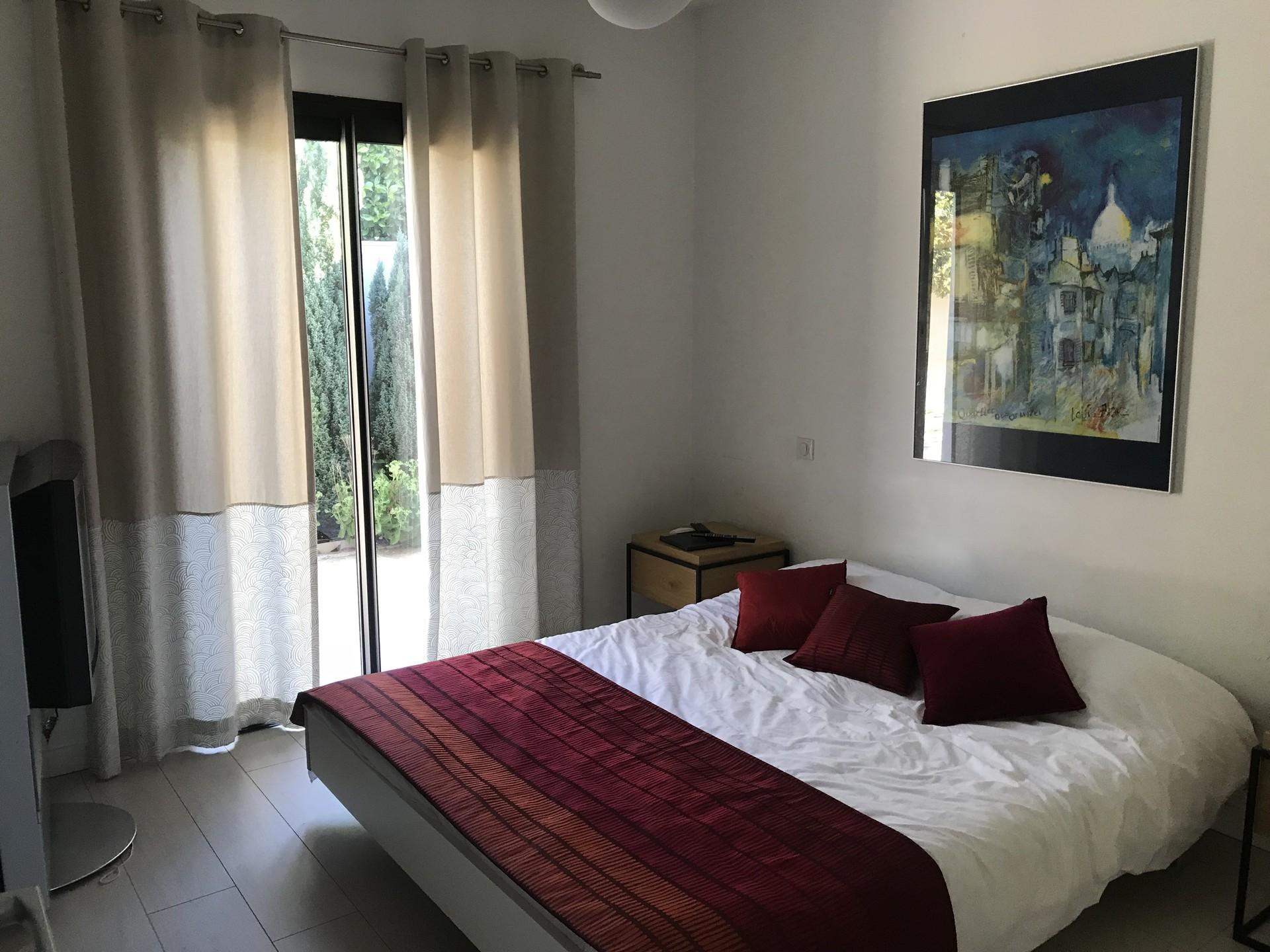 chambre-sdb-villa-de-standing-6673f78d3e1976ed2d2c0397f5d24967