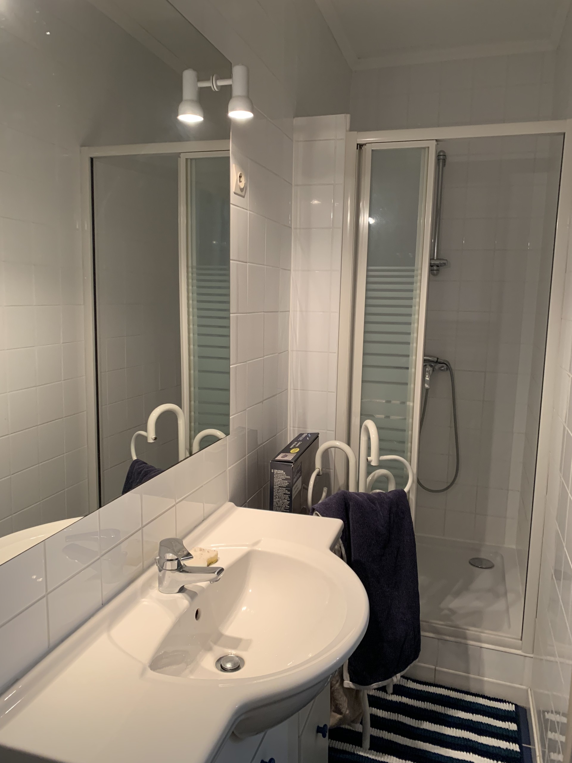 Salle De Bain Dressing available in orleans: beautiful single bedroom in 3-room