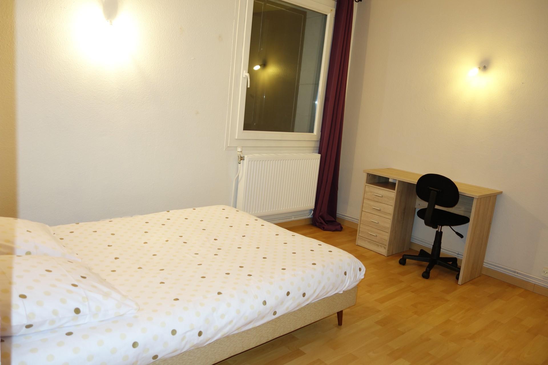 chambre dans un grand appartement proche de la gare et du centre