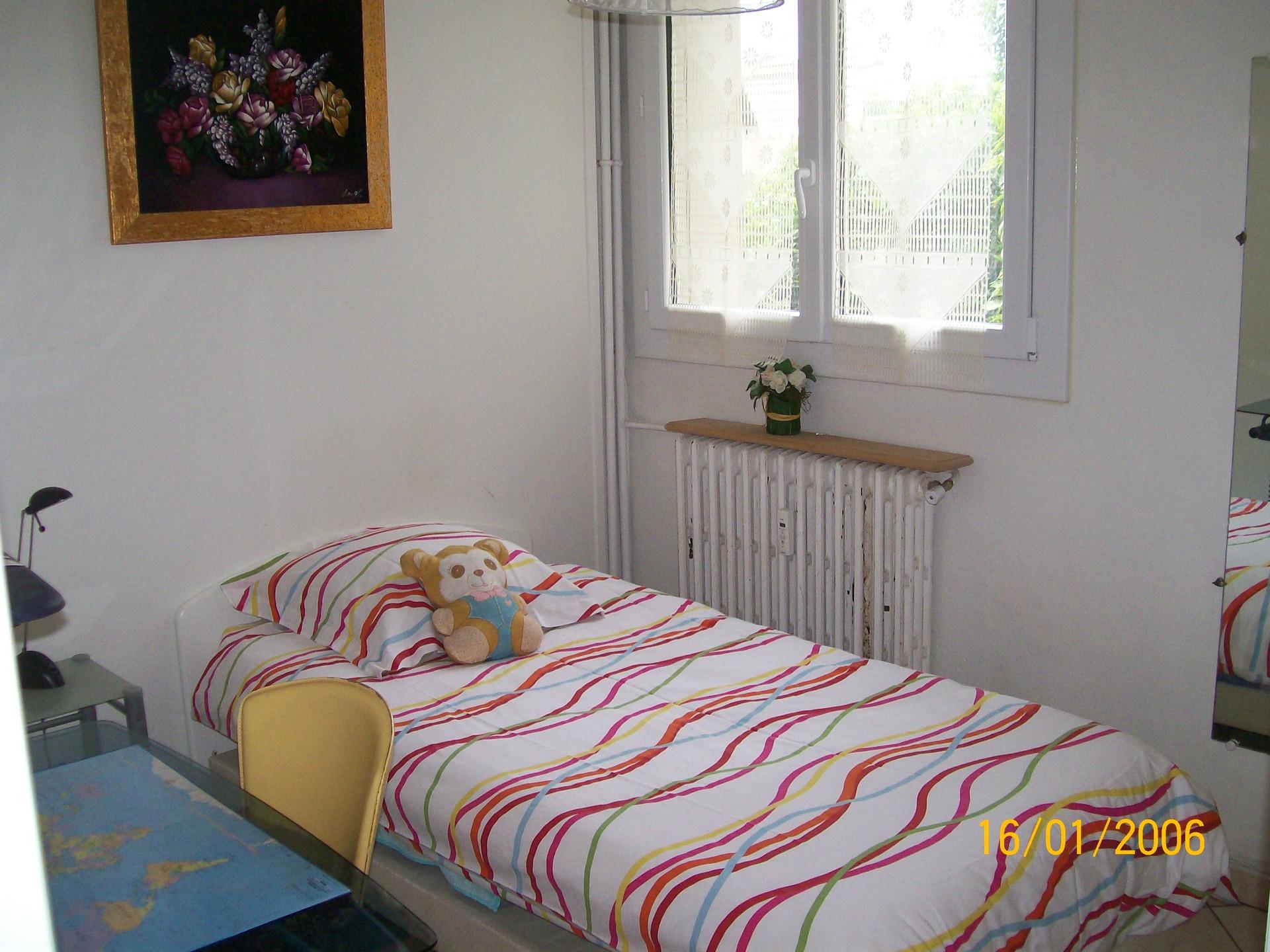 chambre-une-personne-chez-lhabitant-d6571d0253efa72785b7fa2f8d0dde85