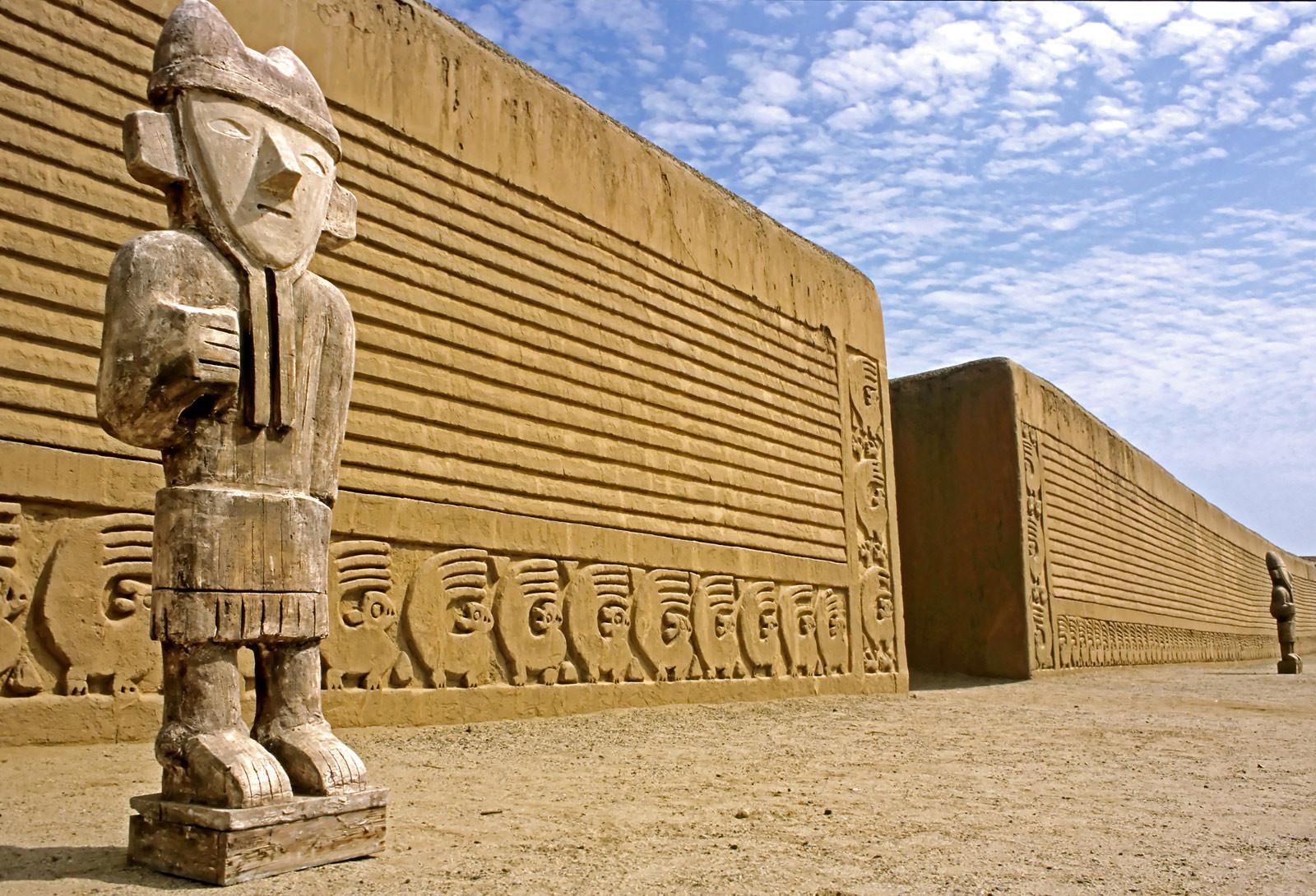 Chan Chan La Ciudad De Barro Más Grande Del Mundo Queda En Perú Blog Erasmus Trujillo Perú