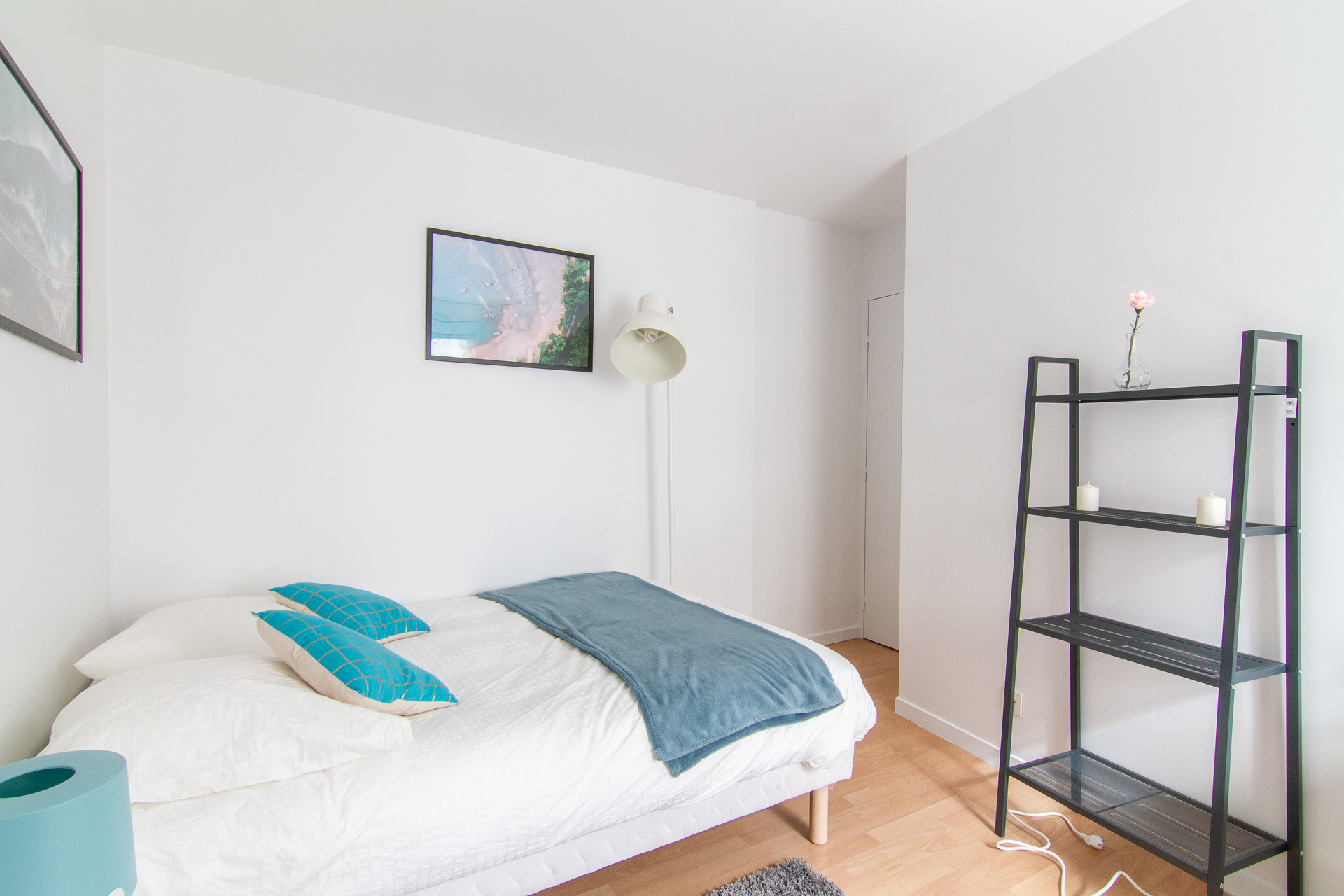Bedroom for rent in 8-room shared apartment in Rueil-Malmaison