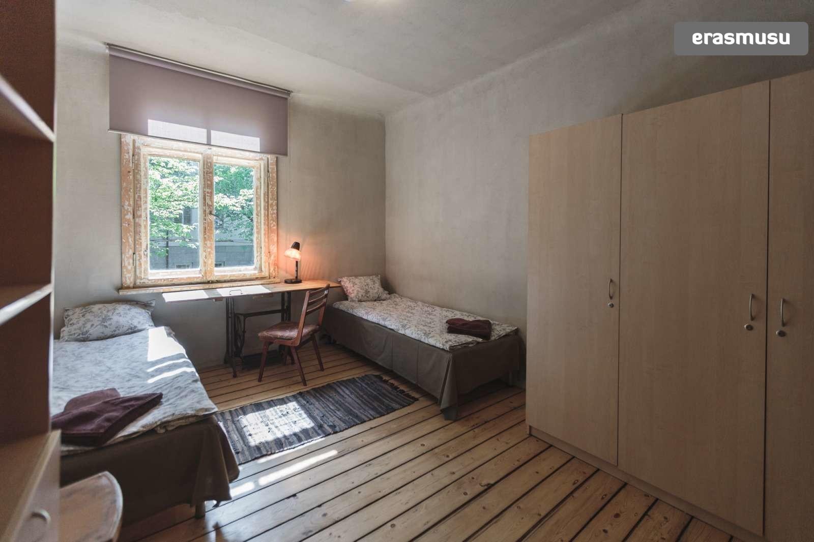 charming-studio-apartment-rent-agenskalns-pet-friendly-28bc3c137