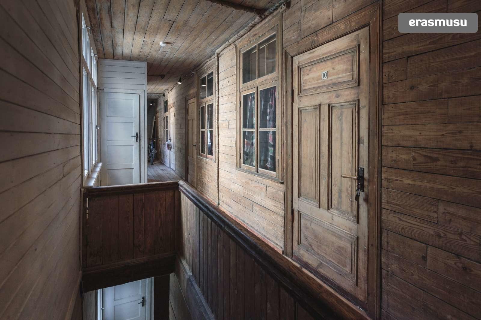 charming-studio-apartment-rent-agenskalns-pet-friendly-5e2ed2b73