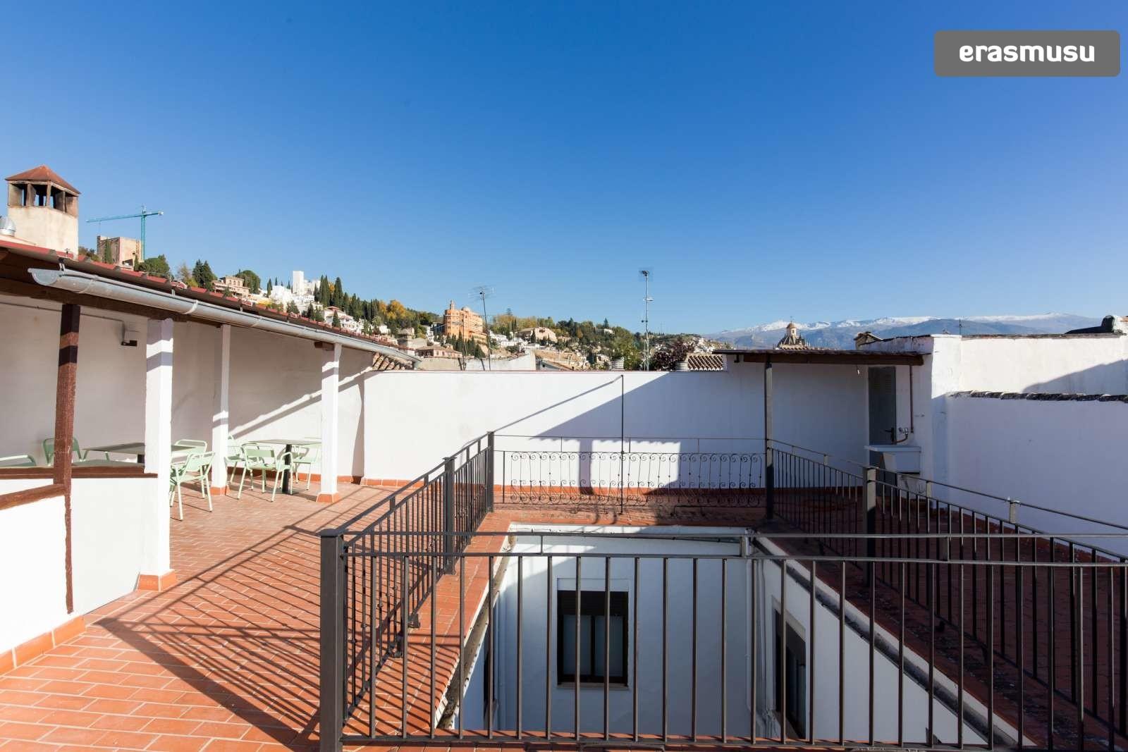 charming-studio-apartment-rent-city-centre-83eef5e43afd65ed7d58b