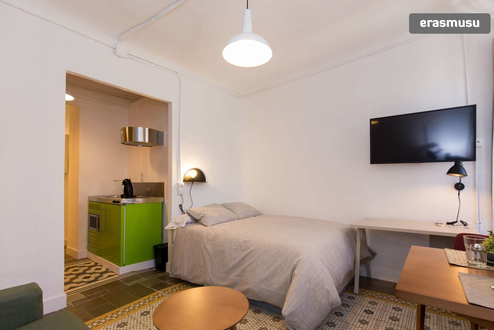 charming-studio-apartment-rent-city-centre-fd2c2510645c07475a5a1