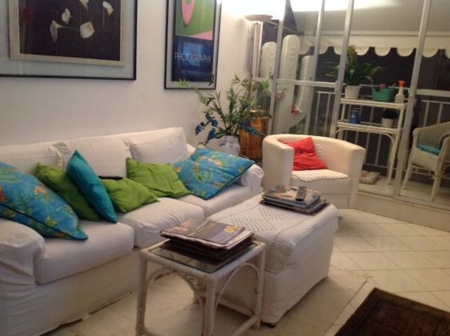 Charmoso quarto com varanda em Ipanema