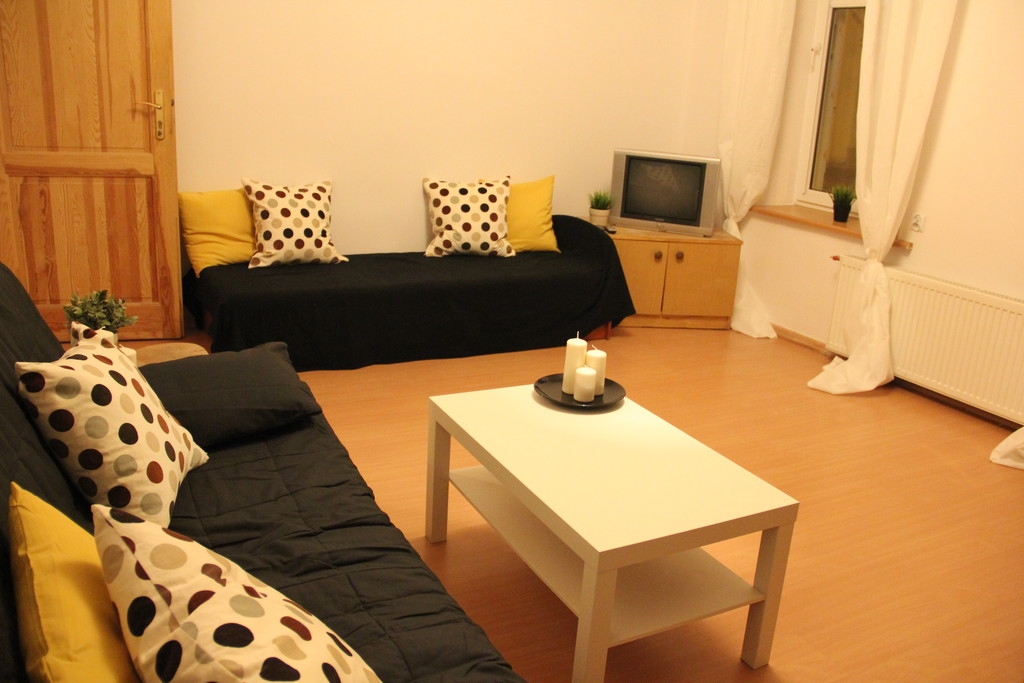 cheap 2 bedroom apartment close to the technical university and other