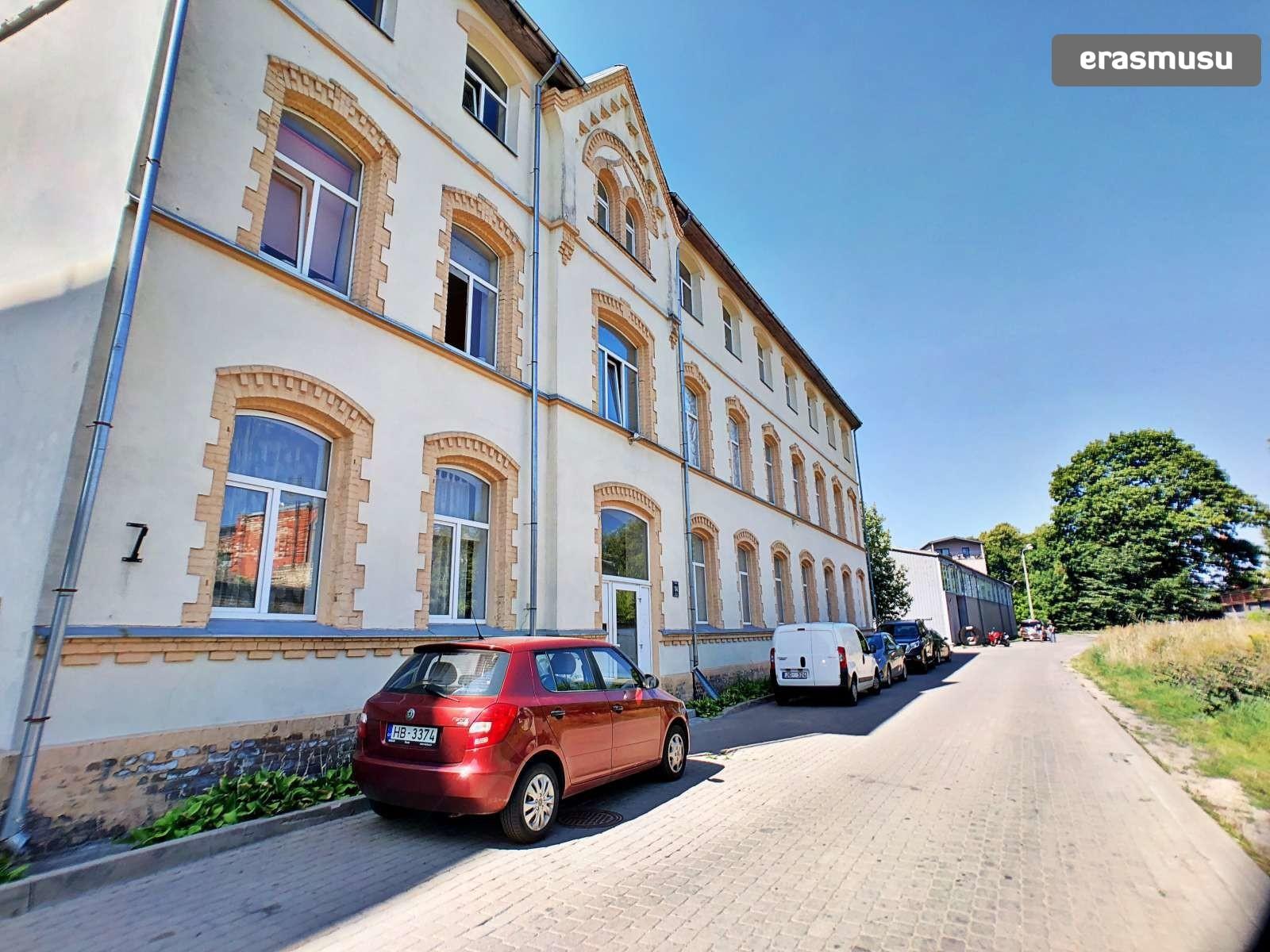 cheery-cute-studio-apartment-rent-dzirciems-3ca46b5c86b911995185