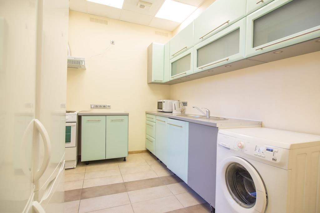 Apartment Rent A Room But Give Ada Room