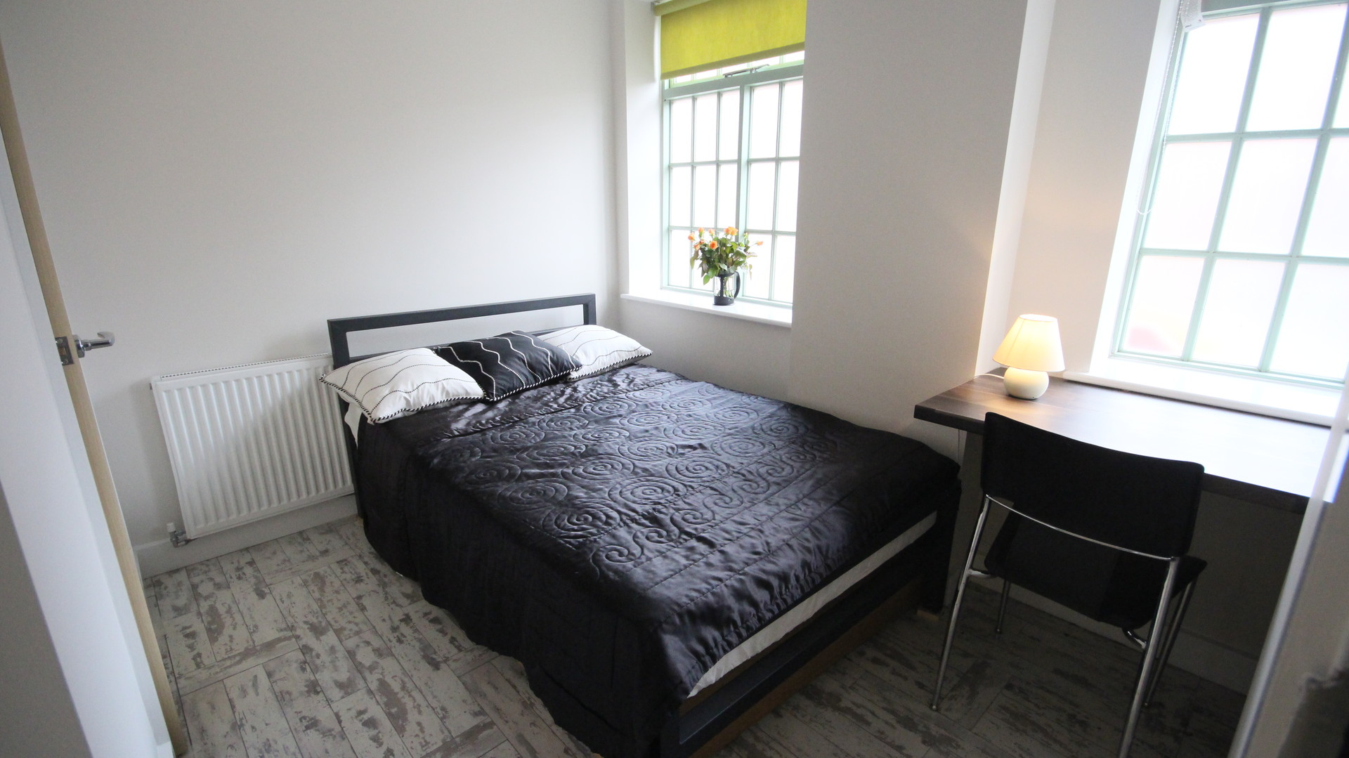 City Center Boutique Conversion Apartment - En-Suite