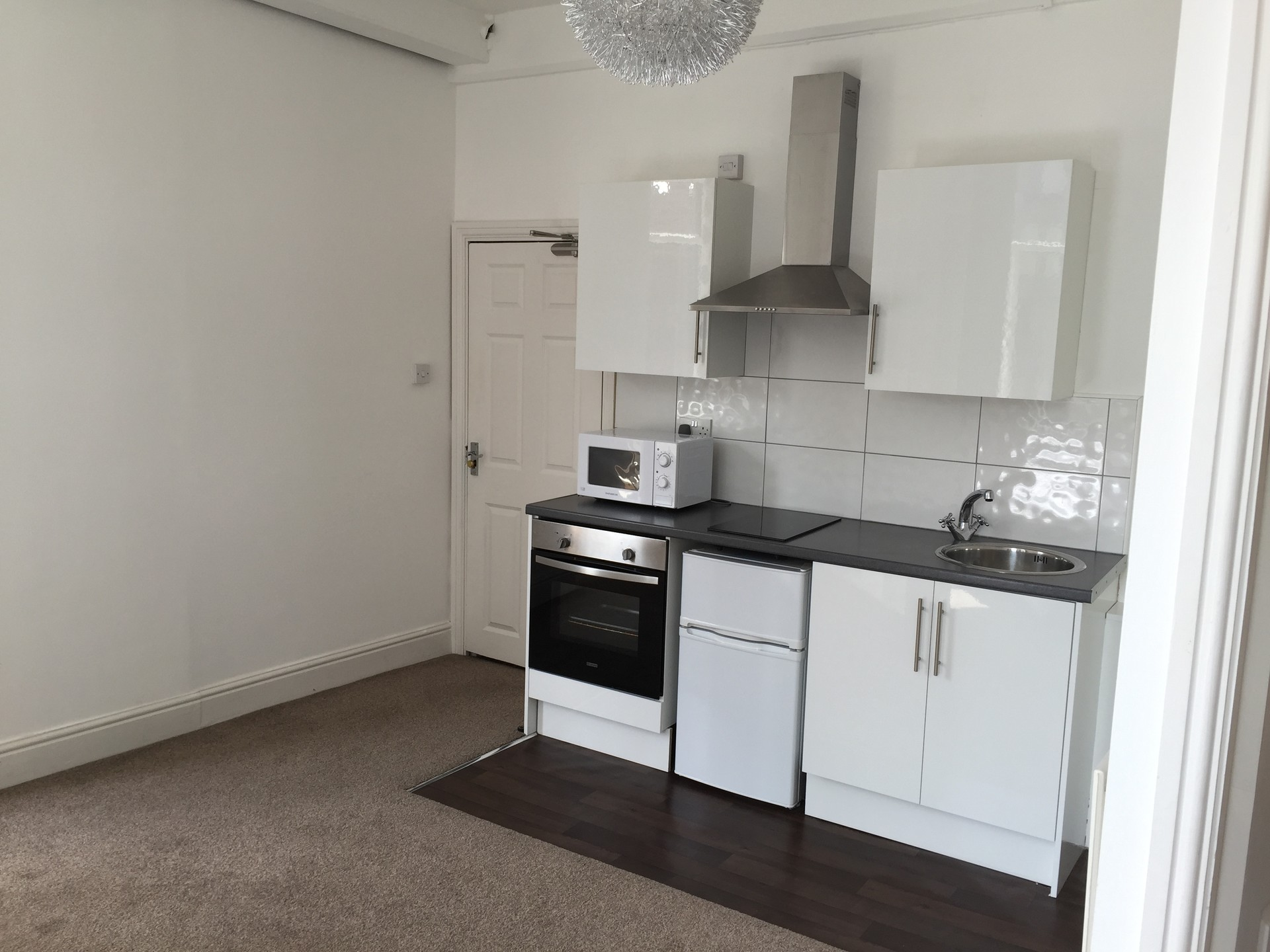Fully furnished modern studio apartment in the city center for Furnished studio apartments