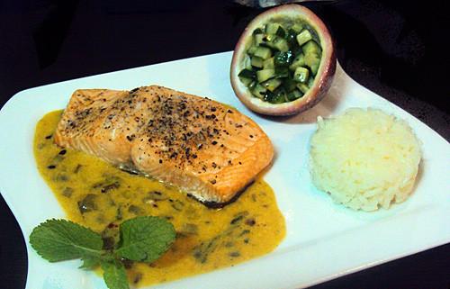 cocinando-casa-salmon-salsa-de-maracuya-