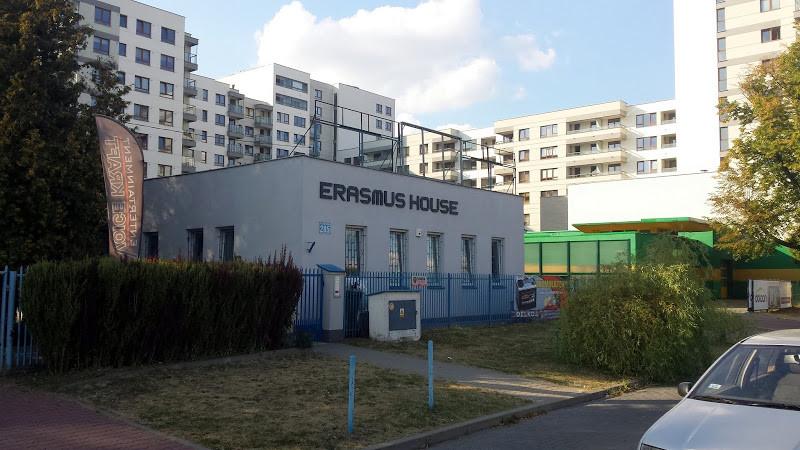 comfortable-single-twin-rooms-international-house-9a12c2f280b62ac4c2b9334f9e90b901
