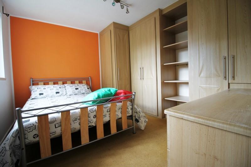 comfy-double-room-shadwell-d2b4d609dedfe7de1f08eb4650d76530