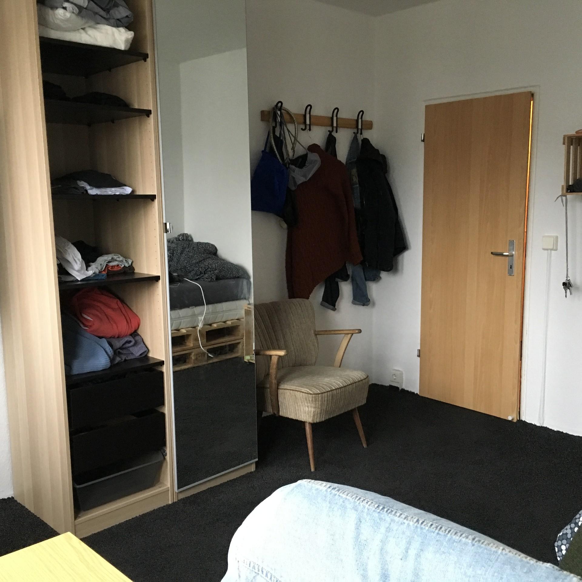 confortable-room-center-dresden-e577c5b25c7dea4c43c6207df186e826