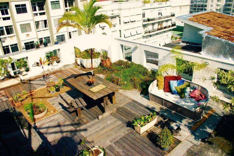 Copacabana indep. residencies sharing terrace