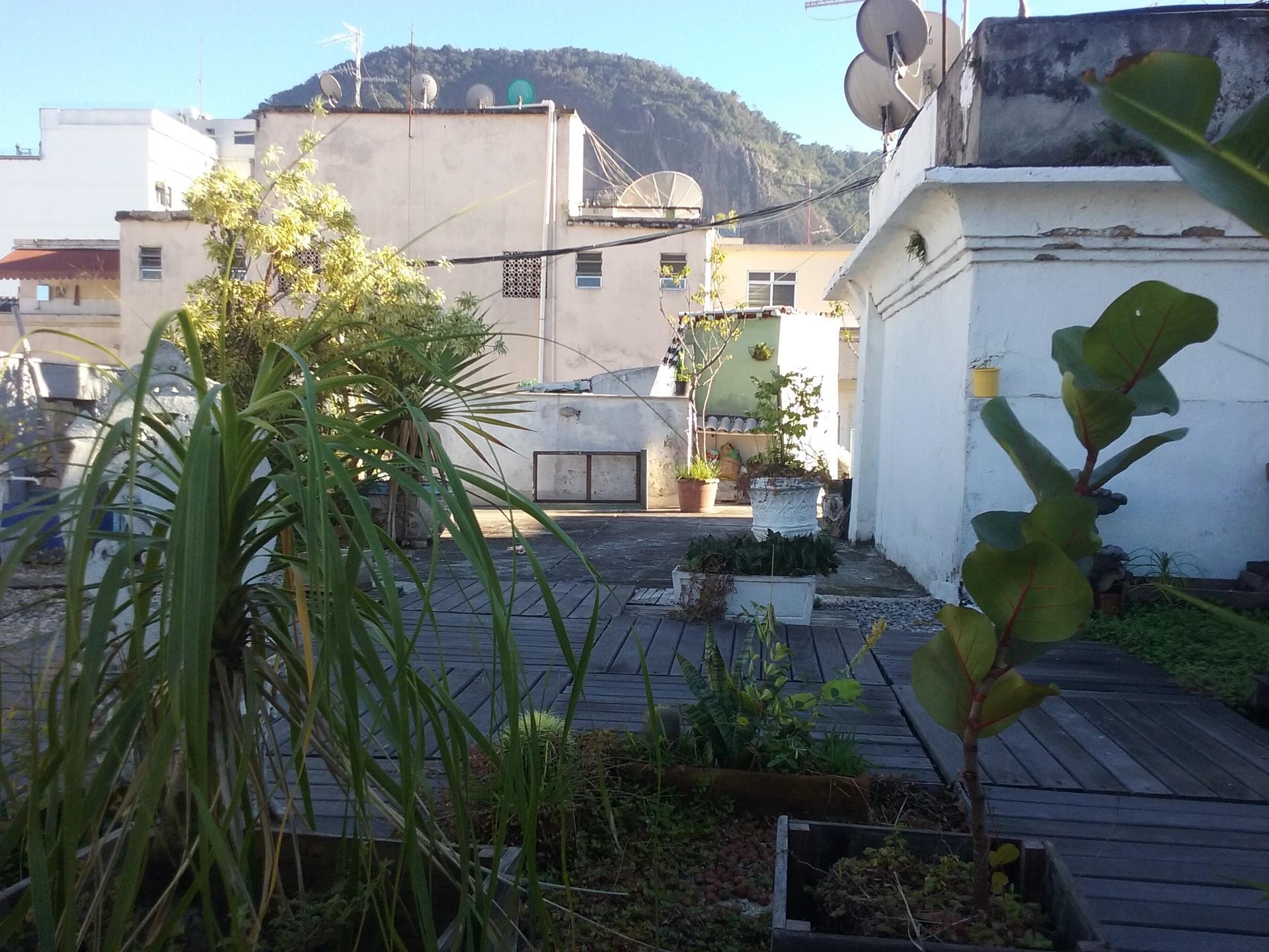 Copacabana independent studio with shared terrace