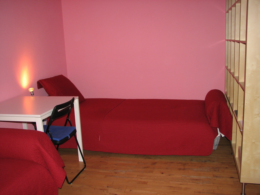 Comfort fully furnished private room available for rent for Furnished room