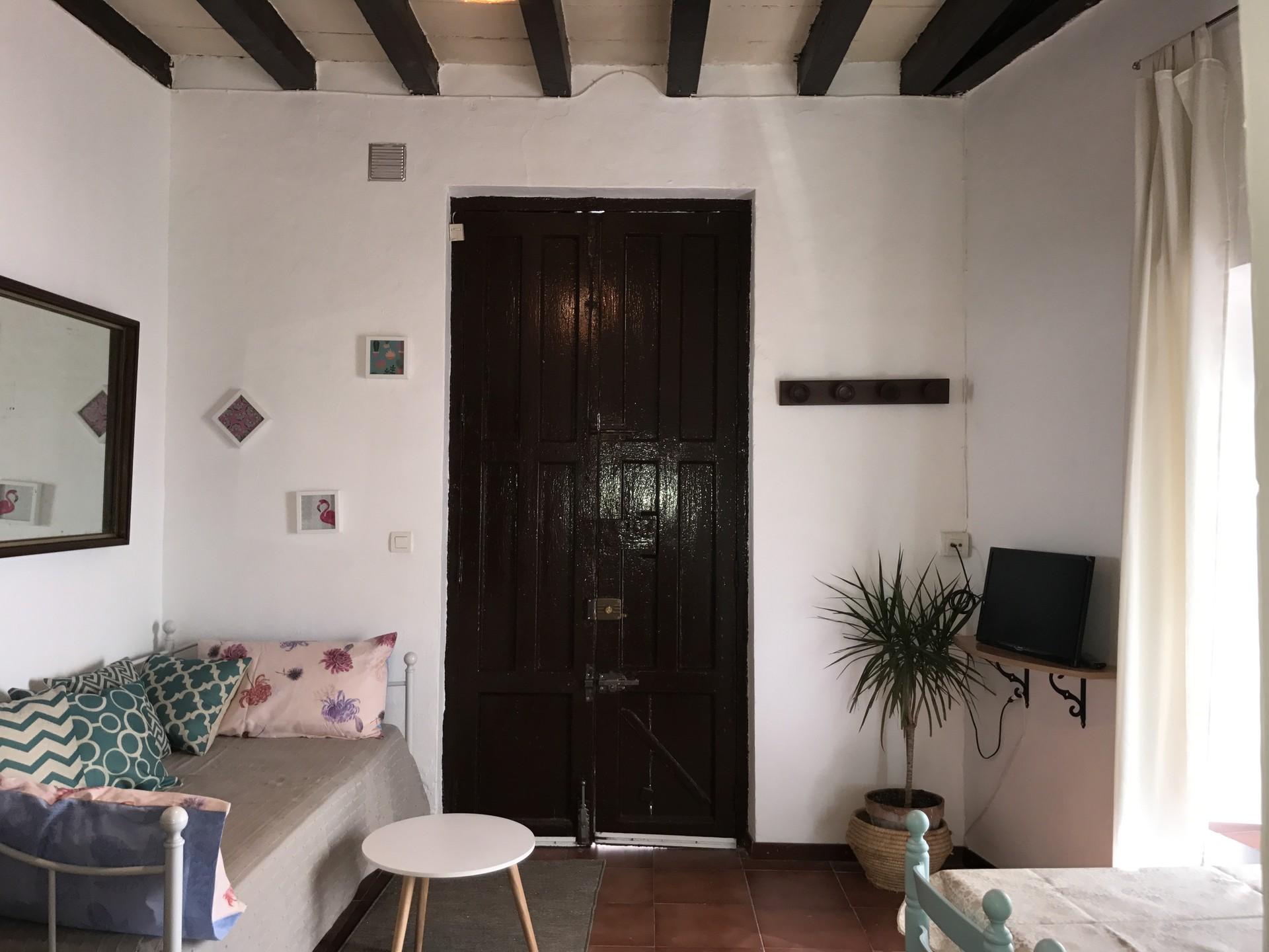 Calle Quijada, 11, 18010 Granada, Spain