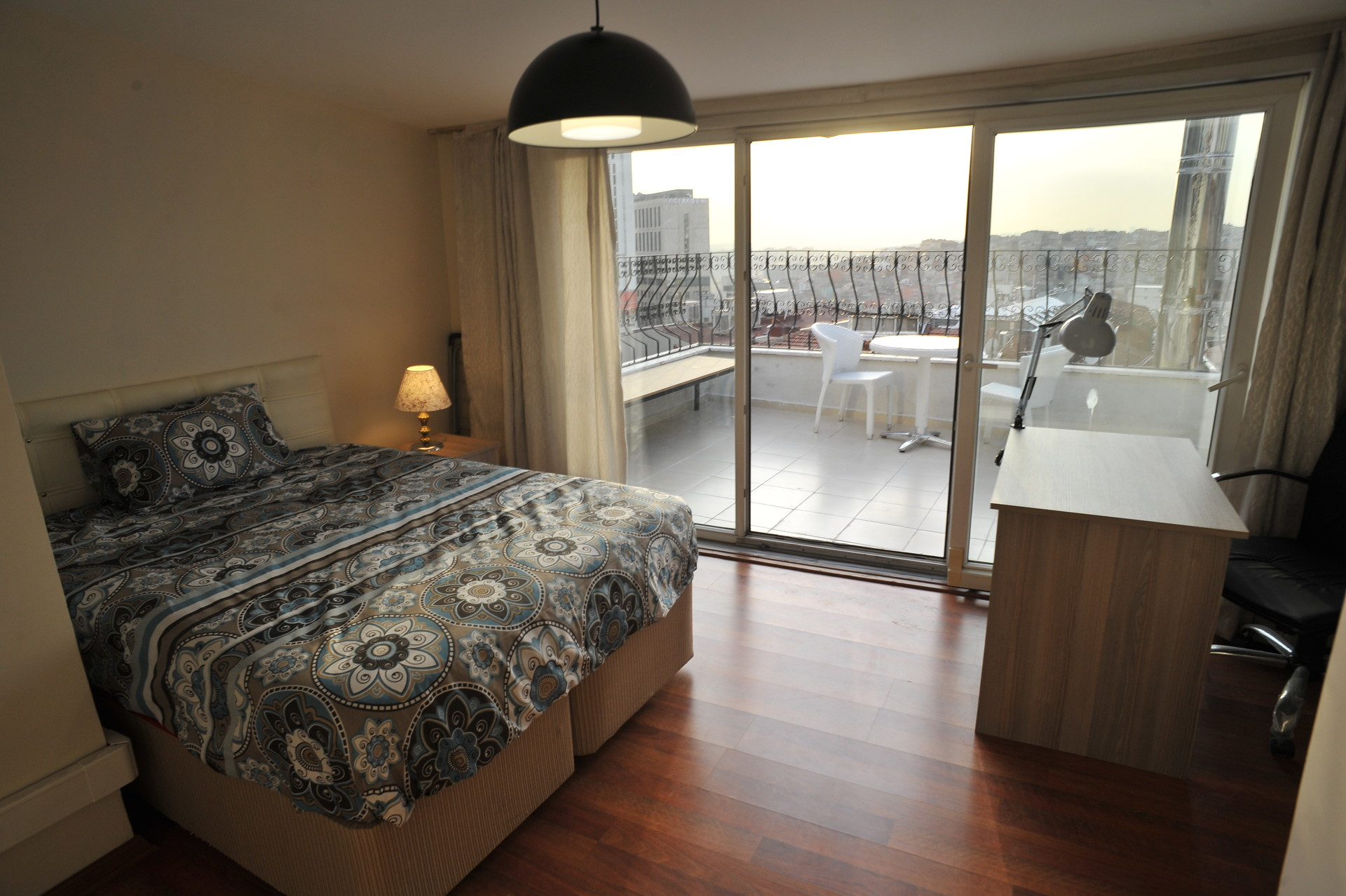 Cosy Room No Deposit Private Bathroom Terrace Erasmus Building With A Garden University Dorm