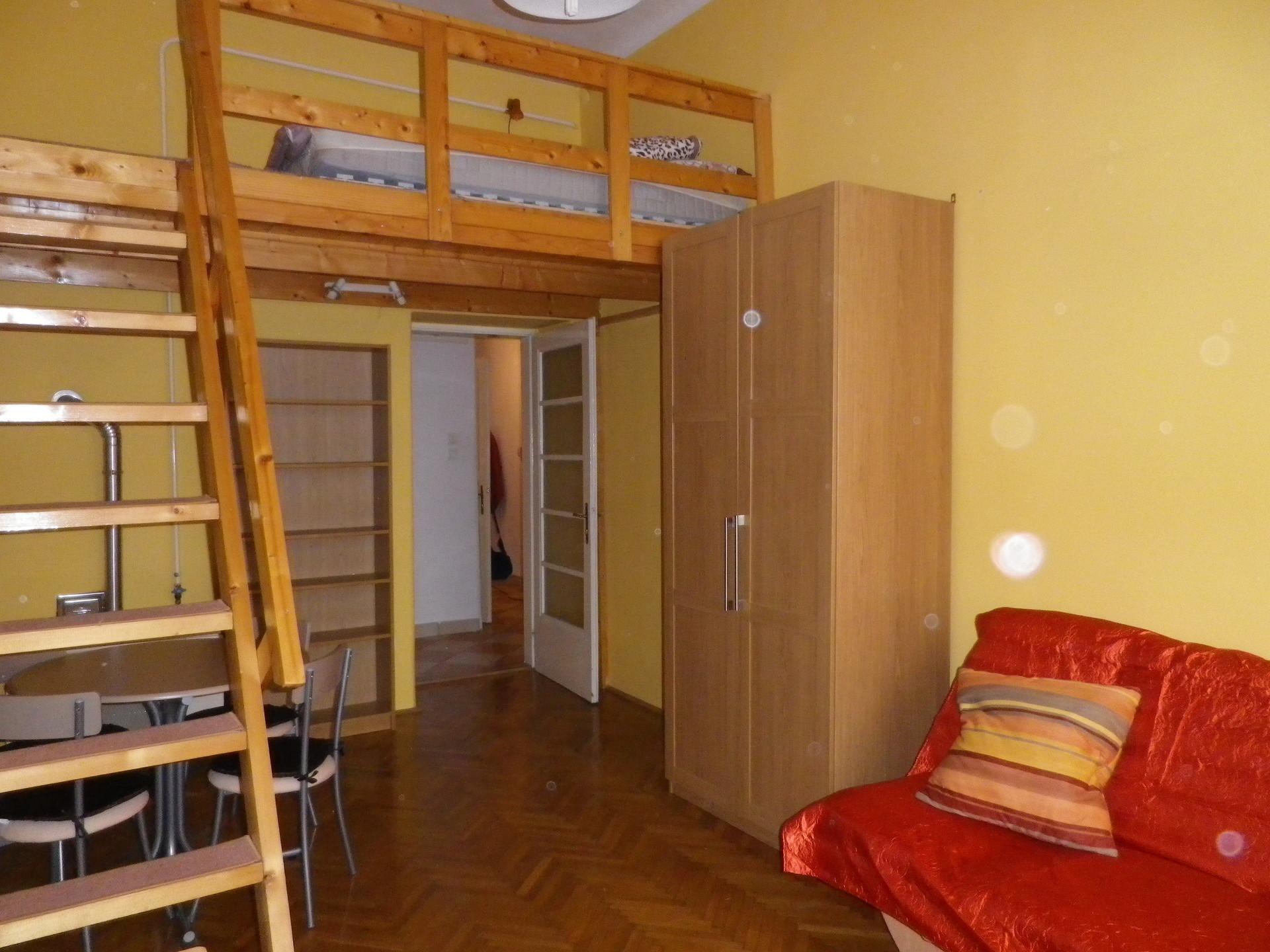 cozy-apartment-center-budapest-f36d05220478b5d3acad85b3c2faf4eb