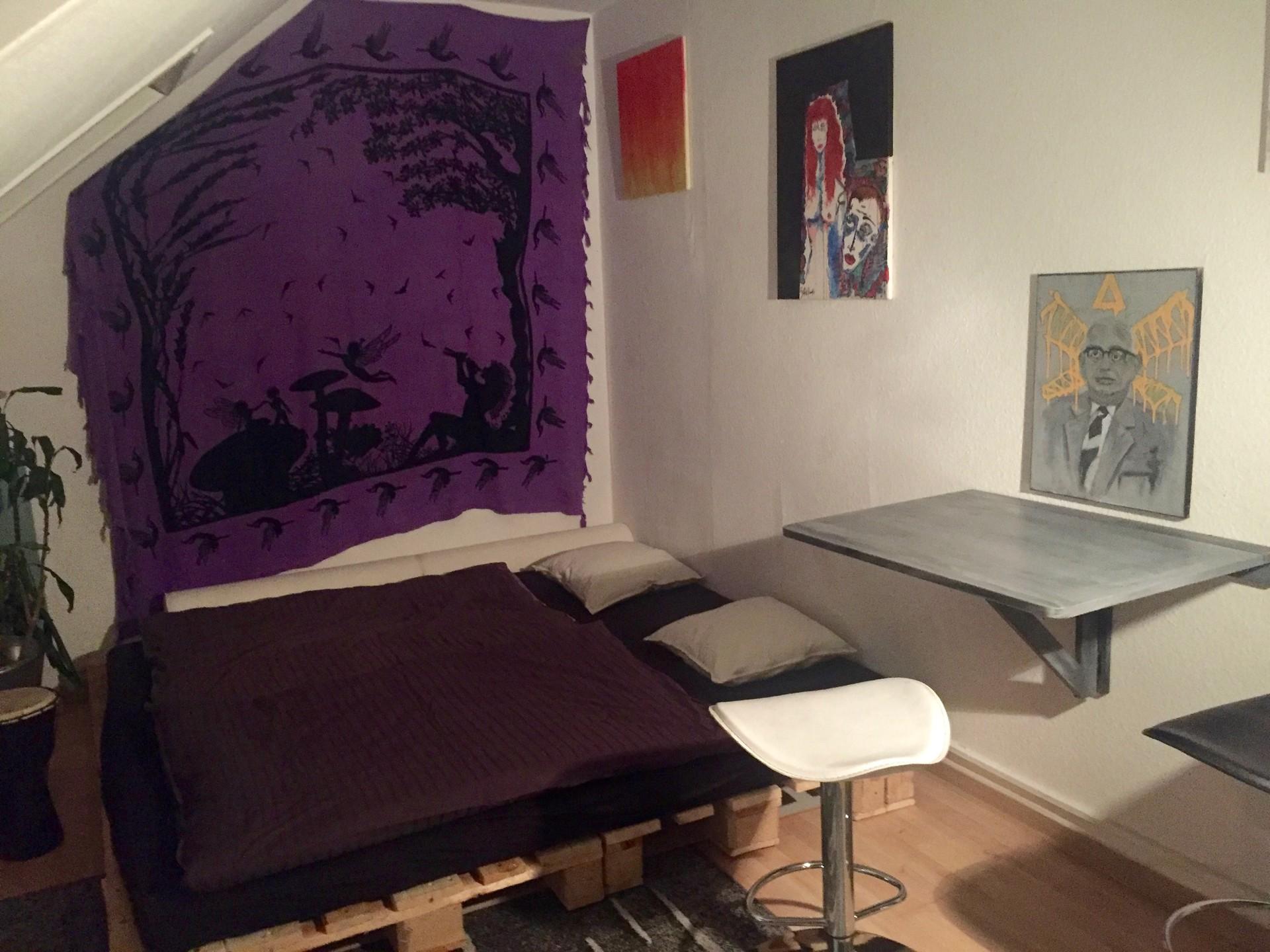 cozy-artsy-studio-heart-frankfurt-1c75e2616de653acc43ed7fc9c58f78b